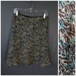 4 for $10- printed skirt size 6
